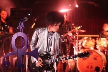 prince-in-dubai-autism-rocks-orange