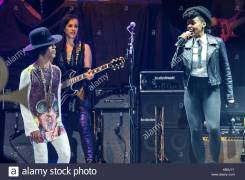prince-and-janelle-monae-prince-performs-during-the-2014-essence-music-KB9J1Y